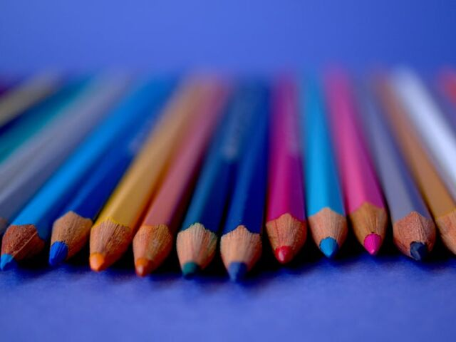 colored-pencils-3